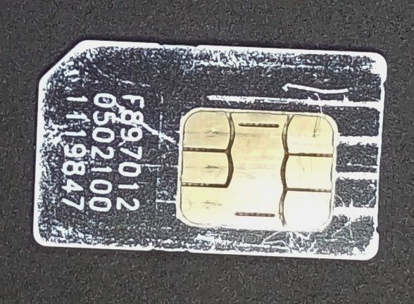 Повреждение контактов на SIM-карте